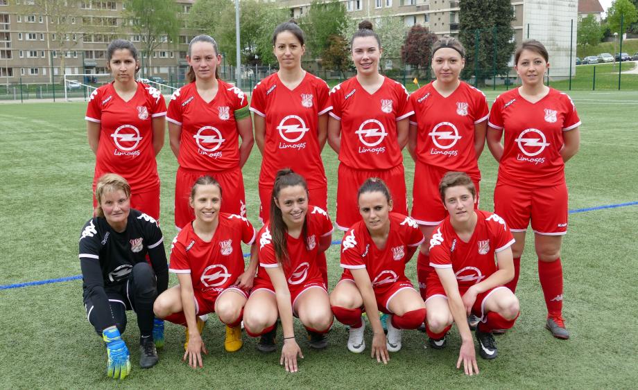 LIMOGES FC Debout de gauche à droite : Vialle, Adamczak, Lionet, Denard, Léa Roussarie, Chaumeny Accroupis : Girac, Magnier, Laura Lépine, Jankowiak, Chaisemartin