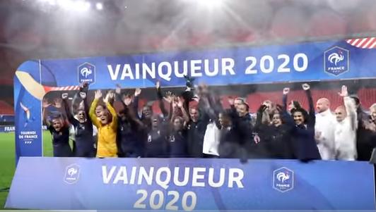 La France avec le trophée