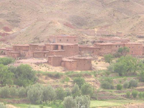 Village de terre entre Le tichka et Ourzazate