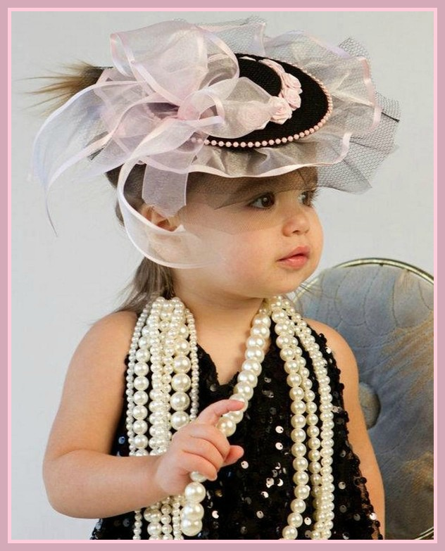 enfant-chapeau-collier.jpg