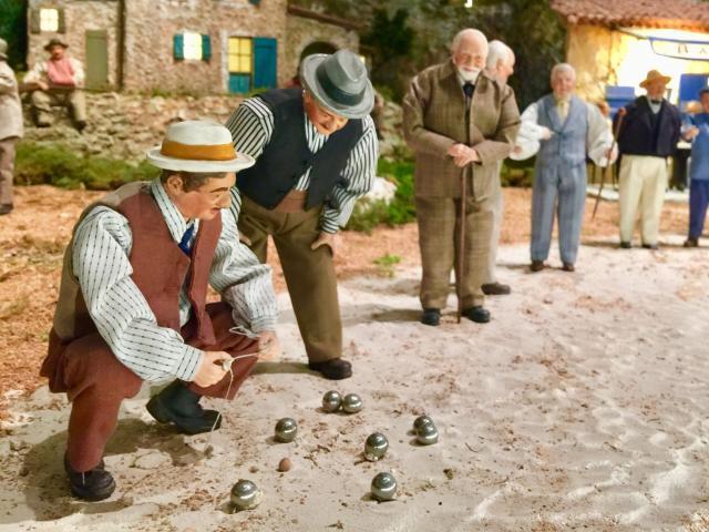 partie-de-boules-santons-petit-monde-marcel-pagnol-aubagne-oti-aubagne-scaled-640x480-crop-1582777635.jpg