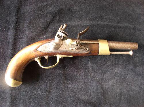 Pistolet modèle AN XIII, 1600 euros