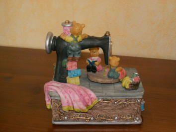 Une boite à musique ours...