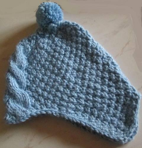 bonnet bleu pompon.JPG