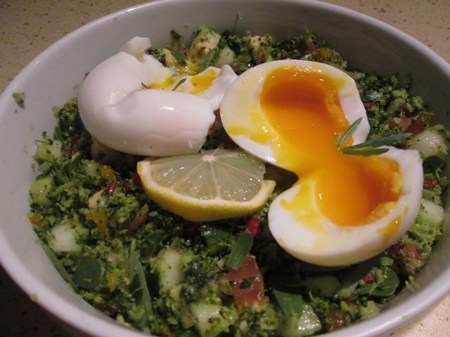 taboulé vert oeufs mollets (3).JPG