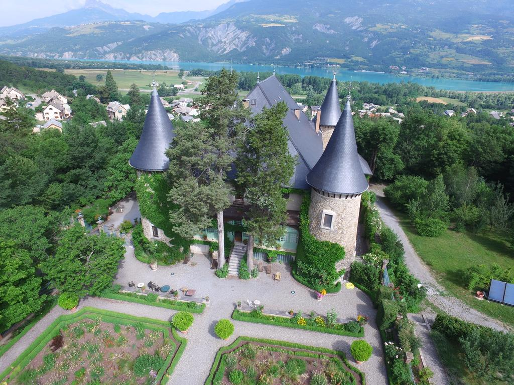 https://static.blog4ever.com/2009/08/342872/Le-Chateau-de-Picomtal.jpg