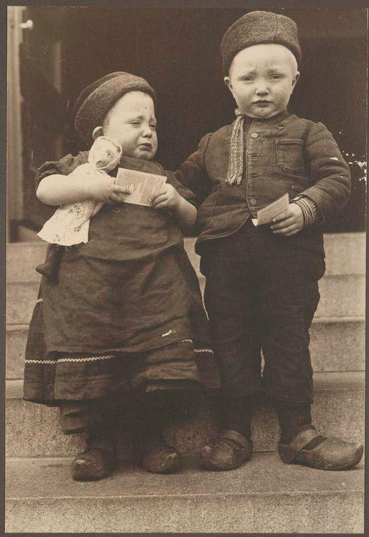 Des Enfants Hollandais.jpg