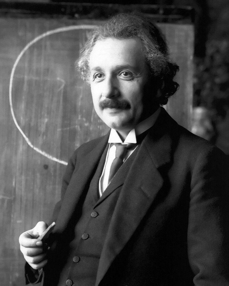 800px-Einstein_1921_portrait2.jpg