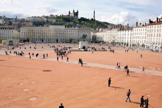La-grande-Roue-place-bellecour-C-tim-douet_0069_xxl.jpg
