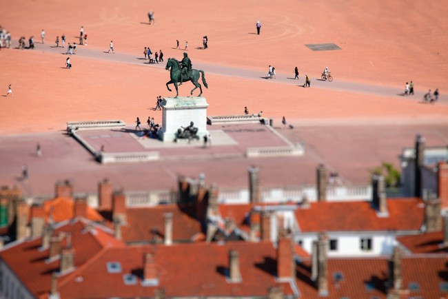 Place-Bellecour-C-Tim_image-gauche.jpg