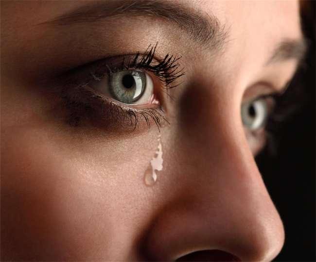 10_05_2017-tear_in_eyes.jpg