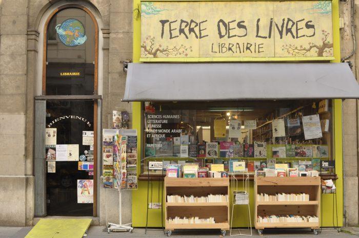 Terre_des_livres_2-1-700x465.jpg