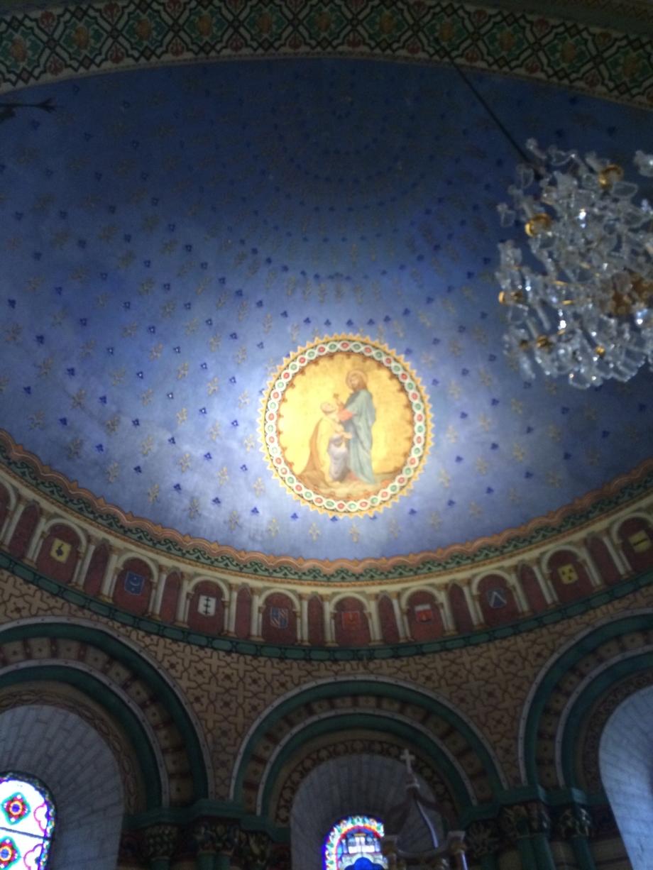 Peintures de l'église Romane de ST Pierre de Blesle.JPG