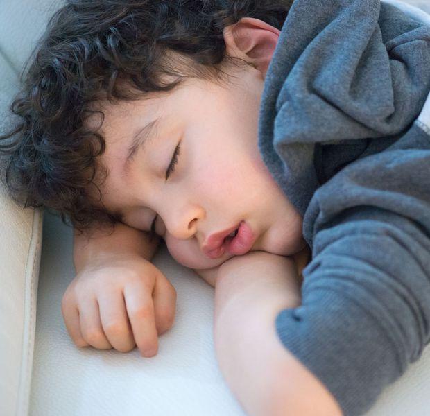 enfant-sommeil-1_5998992.jpg