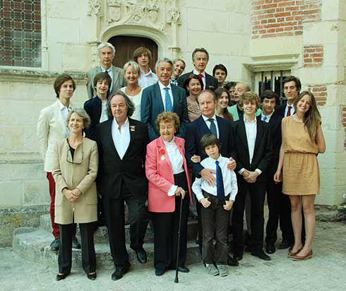 La Famille  Saint Bris.jpg