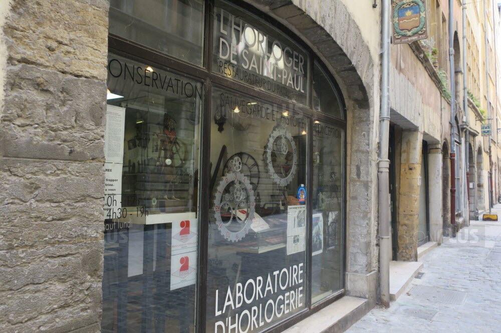 l-horloge-est-renovee-chez-l-horloger-de-saint-paul-dans-le-vieux-lyon-photo-progres-marion-mayer-1593940062