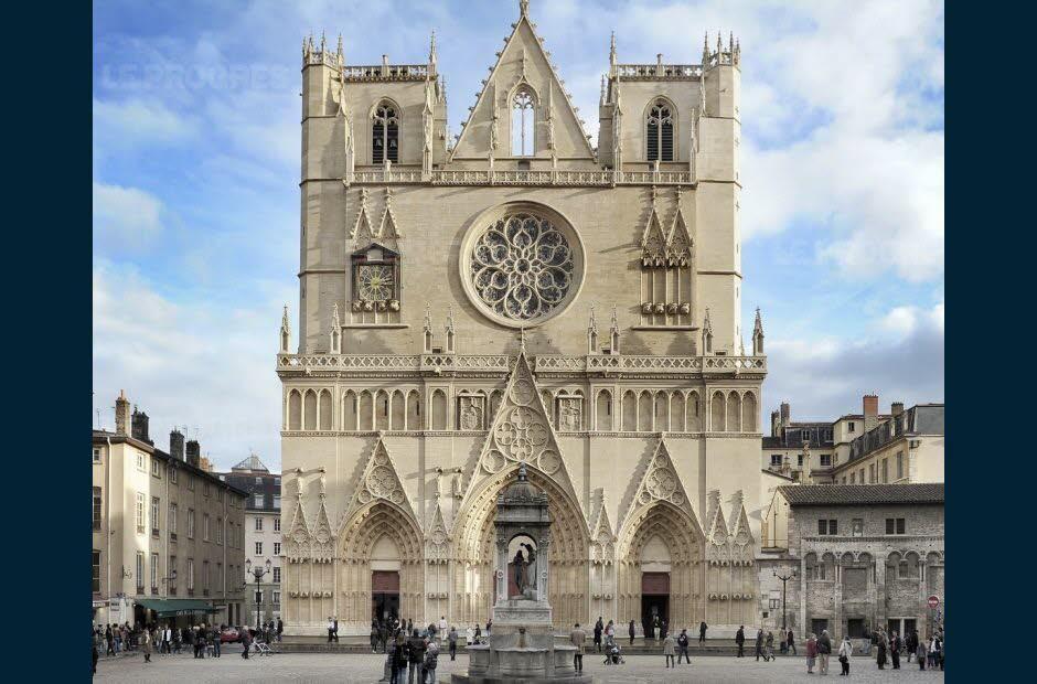 la-cathedrale-etait-en-travaux-depuis-trois-ans-photo-janine-chalavon-1479278308