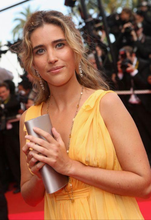 La très belle actrice Vahina Giocante