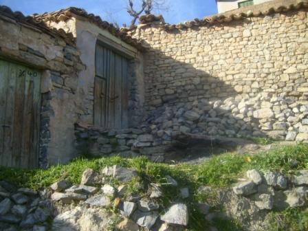 Village Izavachène, vieille maisons en pierres