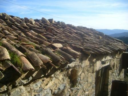 Village Izavachène, vieilles maisons en pierres
