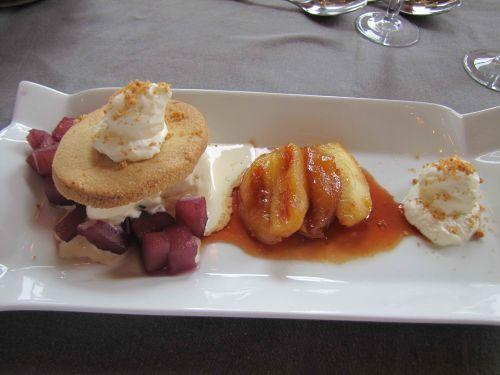 Tartelette revisitée aux pommes Reinettes, caramel aux griottes, poires à l'angevine, espuma aux écorces d'orange