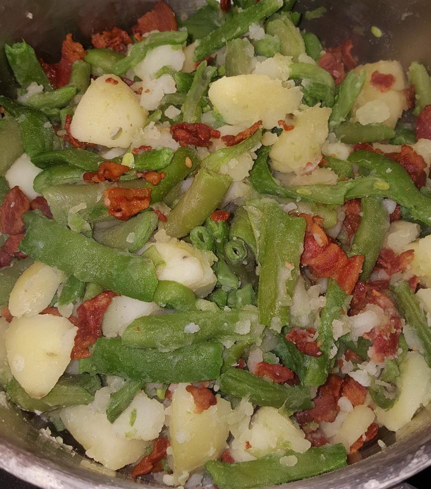 Salade liégeoise aux haricots et lardons