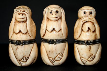 33 - magnifiques singes qui peuvent cacher des trésors dans leur ventre (Musées du Monde - cadeau LA)