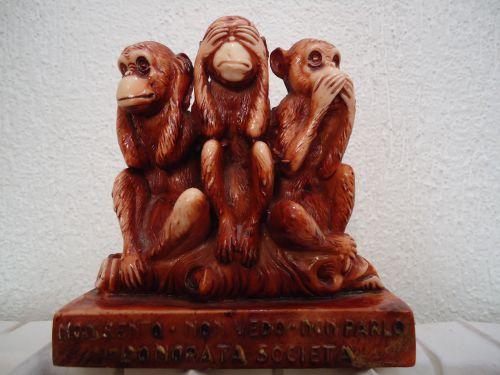 201 - Voici acquise la protection de l'honorable Société (Mafia) (Boutique Three Monkeys - janvier 2011)