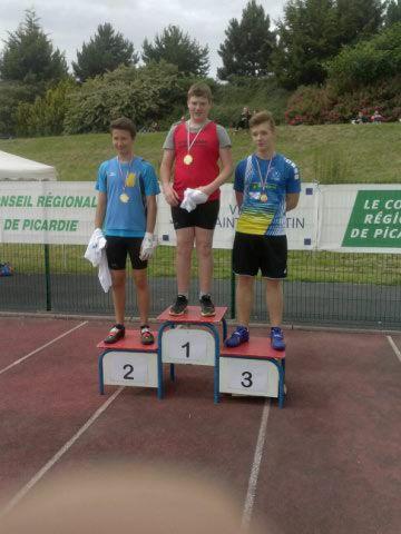 médaille d'argent pour matis au marteau de 4 KG avec un jet à 45,23 mètres au demi finale des championnats de France à Saint Quentin