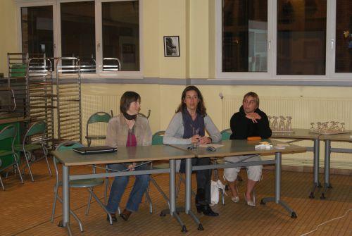 Claire (notre secrétaire), Sophie (notre présidente) et Anne Françoise (notre trésoriére)