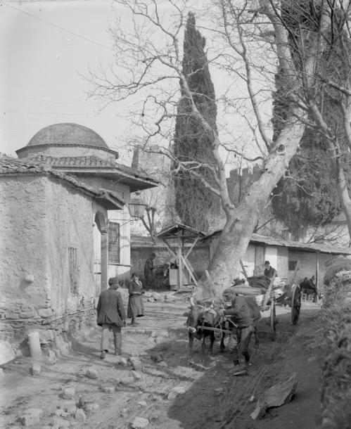 salonique 156 le cimetière grec retouchée.jpg