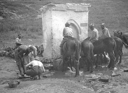 serbie 245 abreuvoir a chevaux.jpg
