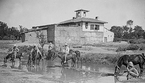 serbie 244 abreuvoir a chevaux.jpg