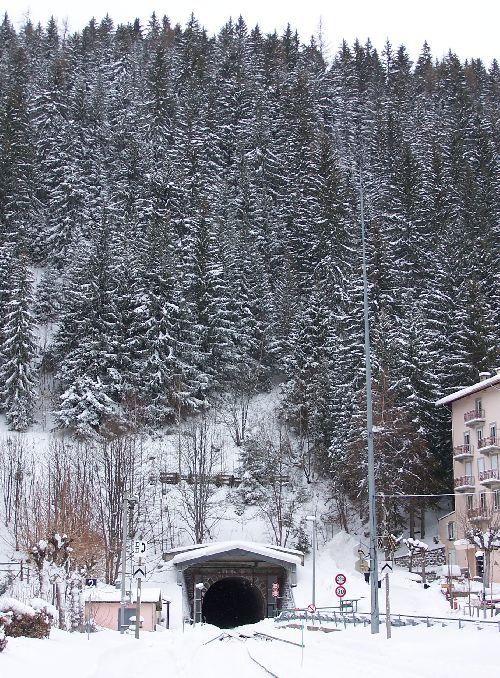 2009.12.22 Le tunnel des Montets à Montroc