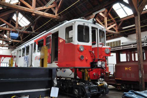 2012.05.25 La BDeh 4/4 N°4 en cours de transformation à Vernayaz