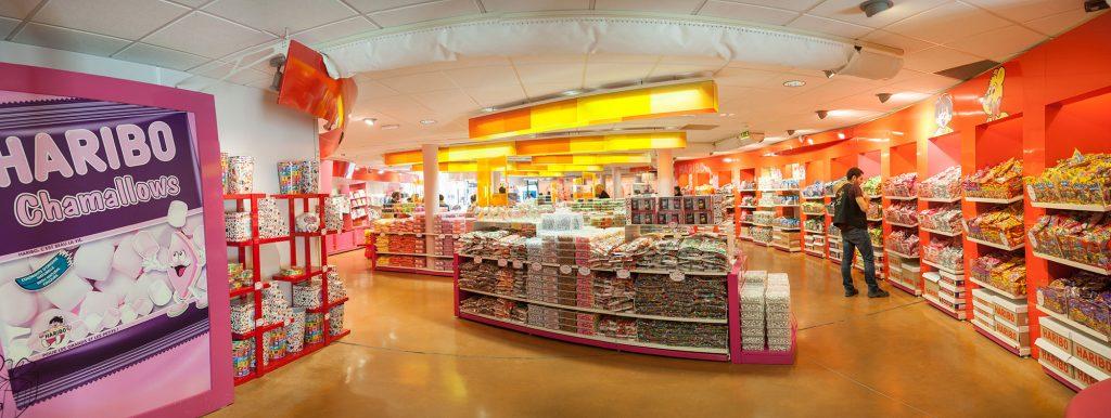 musée-bonbon-Haribo-boutique_onatestepourtoi-1024x386.jpg