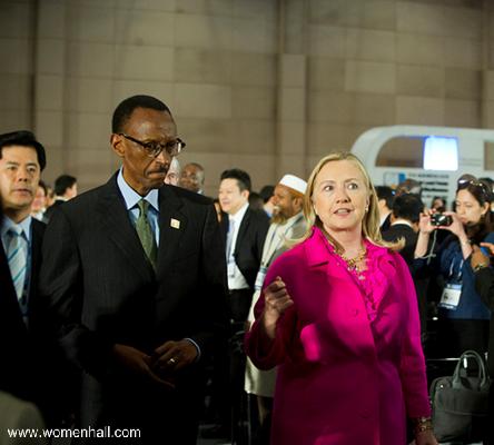 Rwanda-President-Kagame-walks-with-U.S.-Secretary-of-State-Hillary-Rodham-Clinton.png