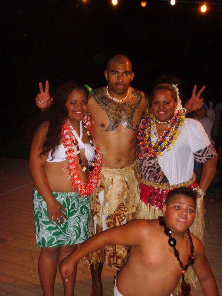 Séfo et une partie du collectif  Maatana.... Danses Wallisiennes !!