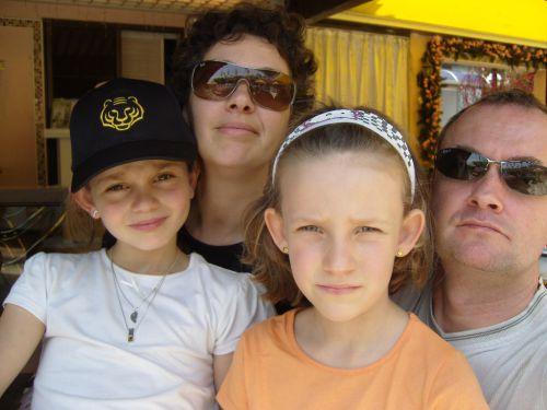 La petite famille au complet