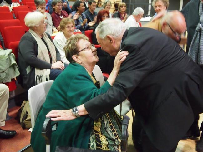 Remise de la Médaille du Secours Populaire à Marie Christine