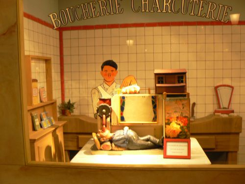 Automate publicitaire des années 1930 au Musée des Automates