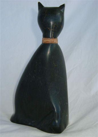 Chat stylisé  en Jade de type Néphrite, collier sepentine