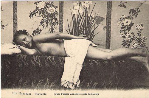 jeune annamite après le massage
