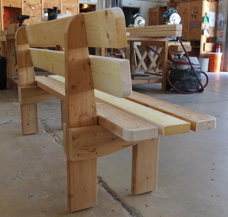 Fabrication d'un banc de jardin en bois massif