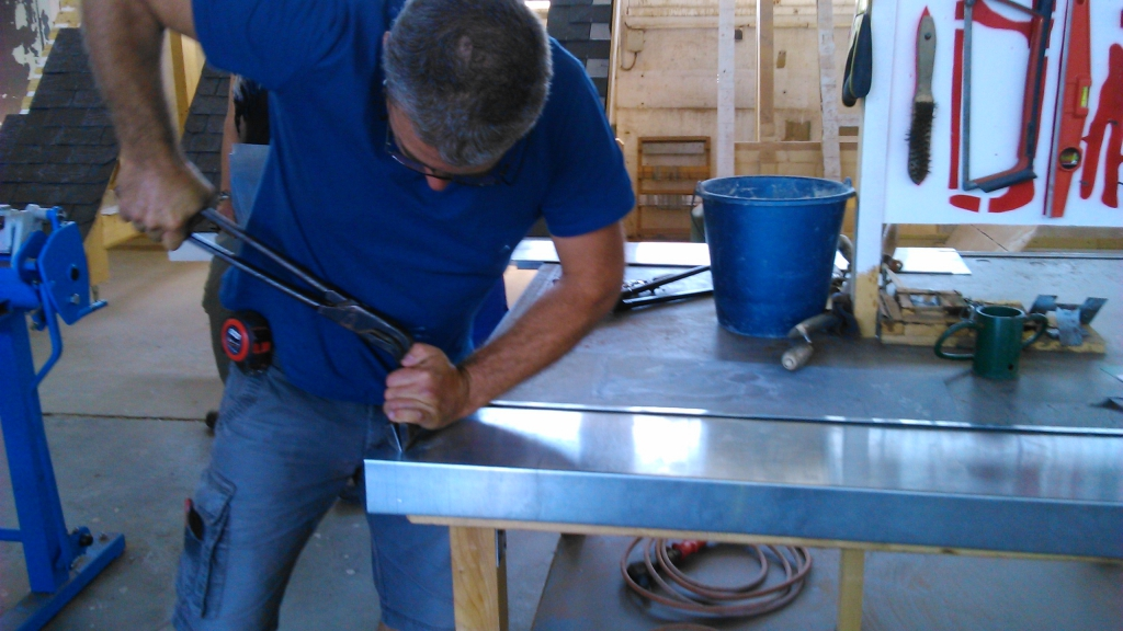 illustration fabrication d 39 une bavette en zinc pour fen tre ossature bois autoconstruction. Black Bedroom Furniture Sets. Home Design Ideas