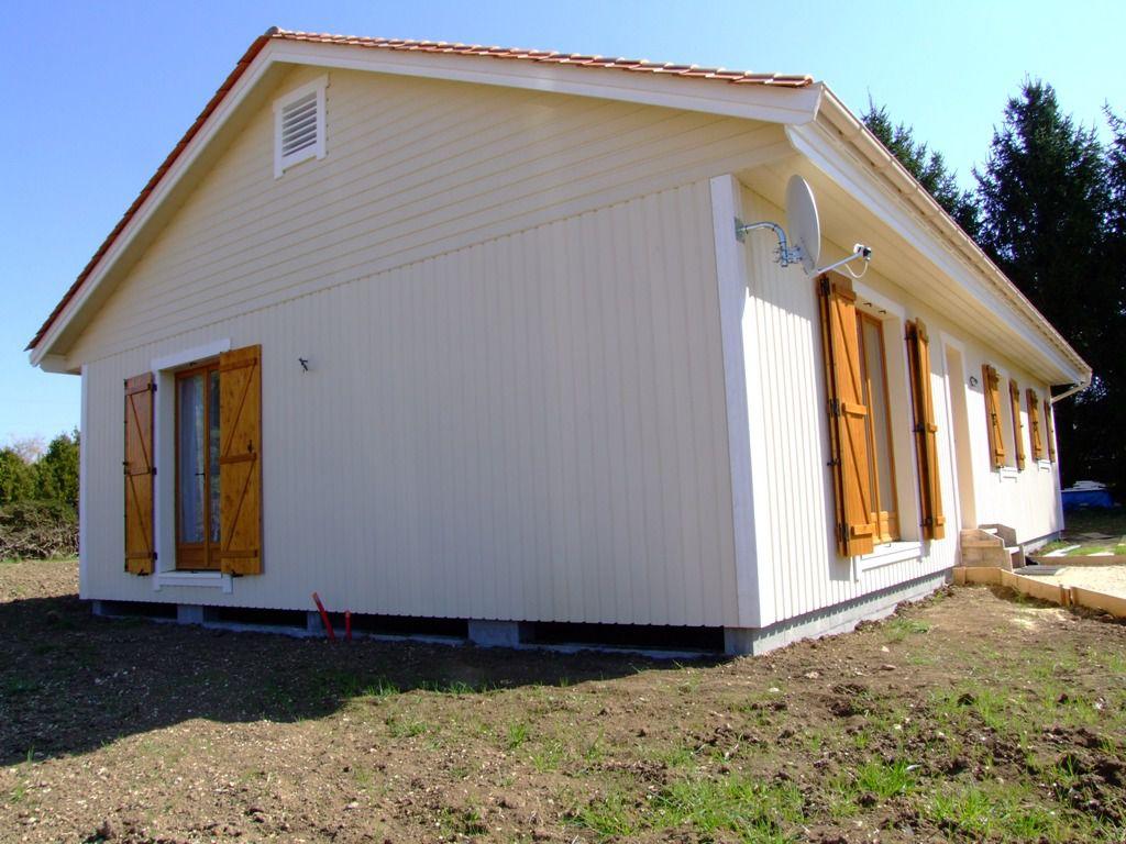 pose de volets battants en bois autoconstruction maison en ossature bois. Black Bedroom Furniture Sets. Home Design Ideas