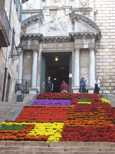Gérone - Parvis de la cathédrale Santa-Maria