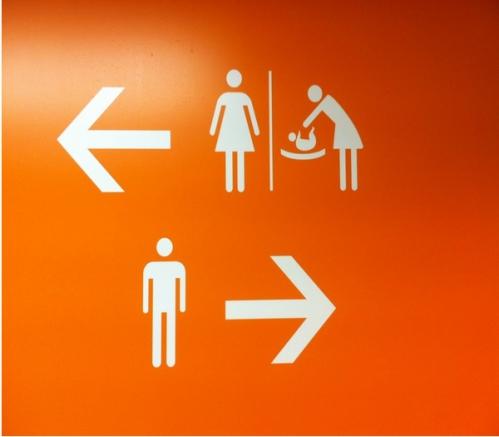 Toilettes d'Orly fin 2013.jpg