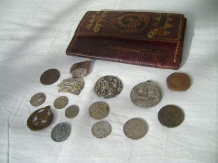 Porte feuille et pièces de monnaies