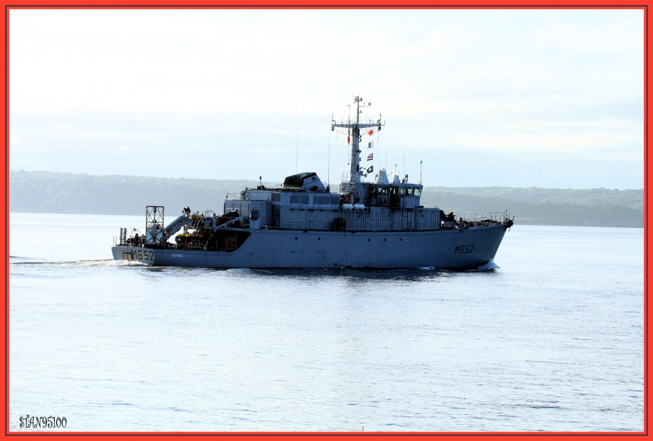 272Q6646 patrouilleur-port-deBrest.jpg